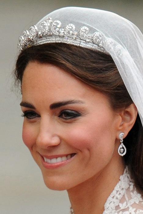 Kate Middleton con abito da sposa Maison Cartier
