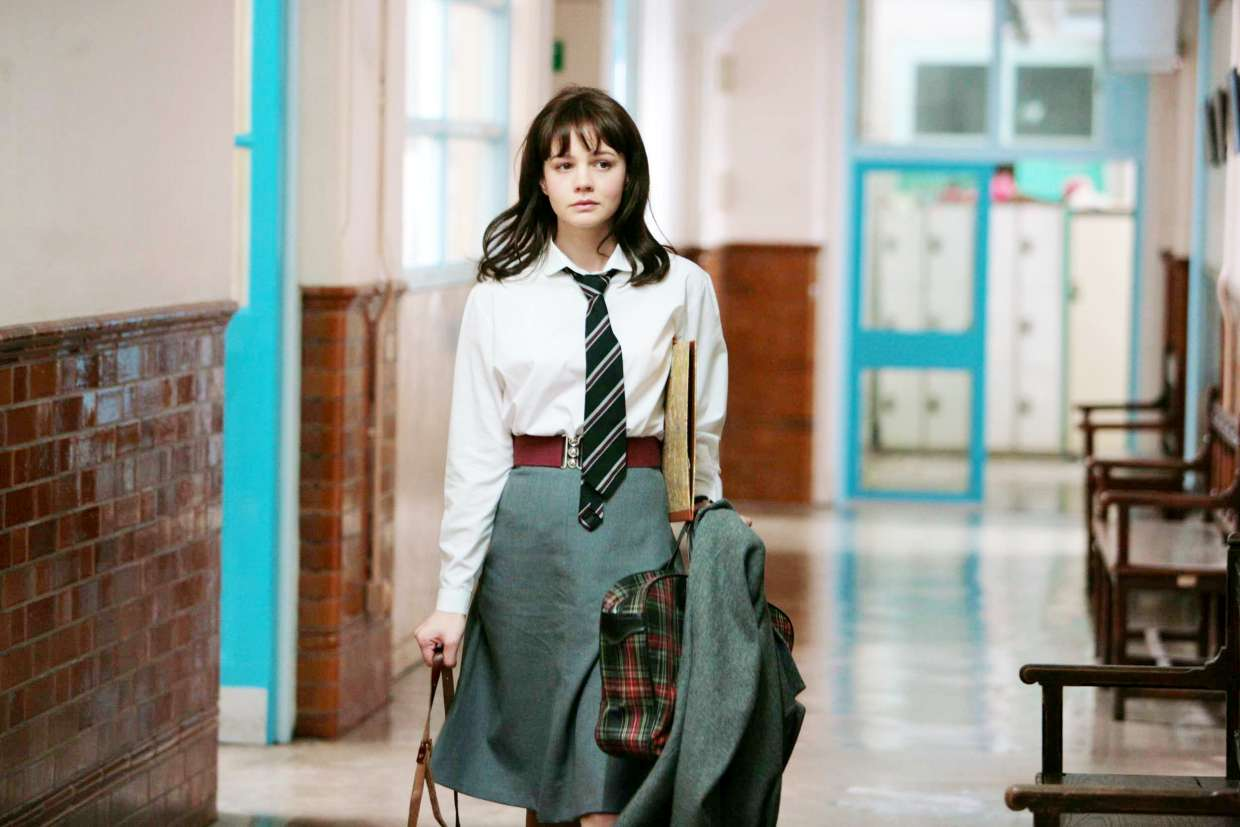 AN EDUCATION: IL LOOK DI JENNY