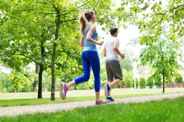 Fai sport all'aperto? Consigli e cosmetici per aumentare i benefici