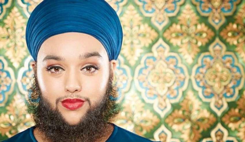 """Harnaam Kaur:la """"più giovane donna con la barba"""""""