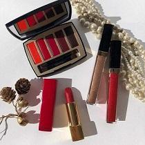 palette, rossetto e mascara