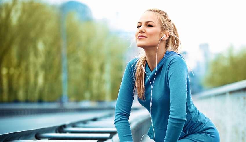 Sport in pausa pranzo: deodoranti, creme e make up per chi va di corsa
