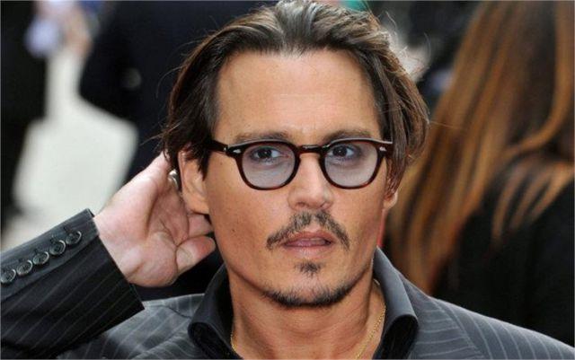 Johnny Depp con gli occhiali