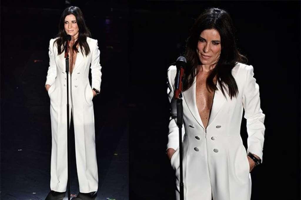 Paola Turci abito vestito tuta bianca Dsquared2 Sanremo 2019