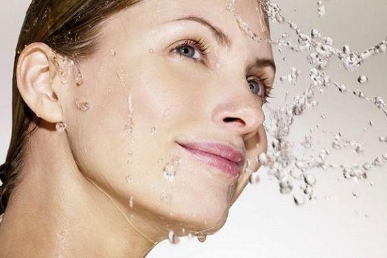 Consigli utili su come difendere la pelle dal freddo e dall'inquinamento