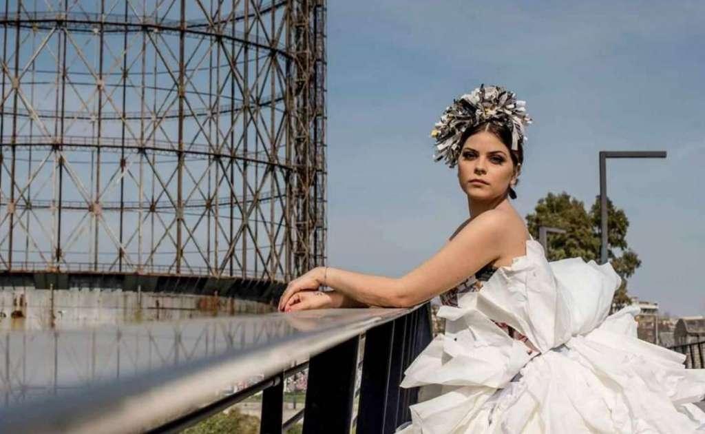 Volumi ampi, corpetti sagomati, giochi di asimmetrie, sovrapposizioni e dettagli preziosi, ecco gli abiti da sposa di Emanuela Alletto!