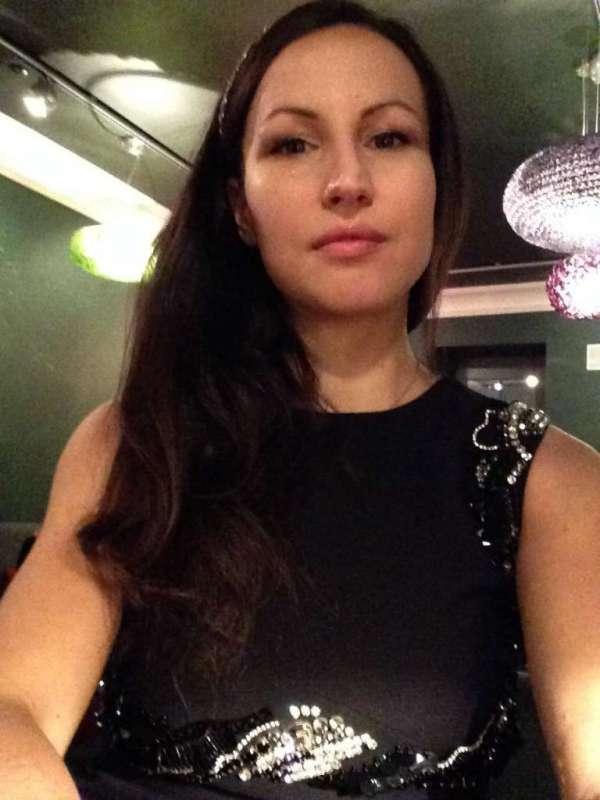 Elena Parmegiani, modella e presentatrice di numerose sfilate di alta moda, ci ha svelato i segreti di una conduzione di successo