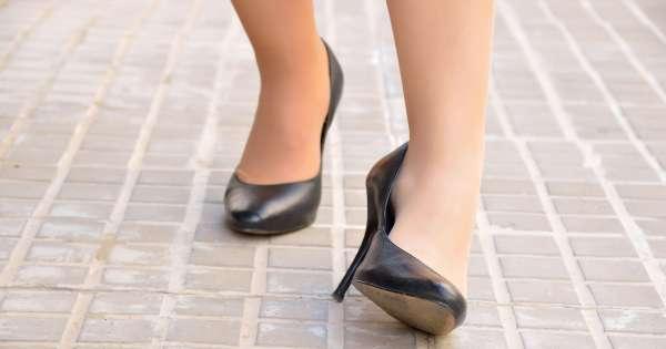 Scarpe con tacchi alti: croce e delizia per una donna