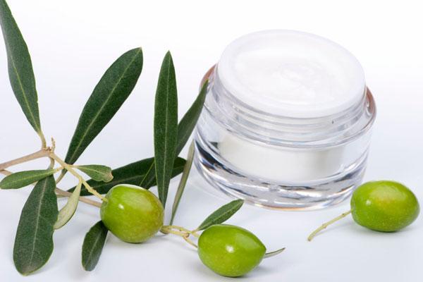 Olio d'oliva, oro liquido e prezioso dono della natura