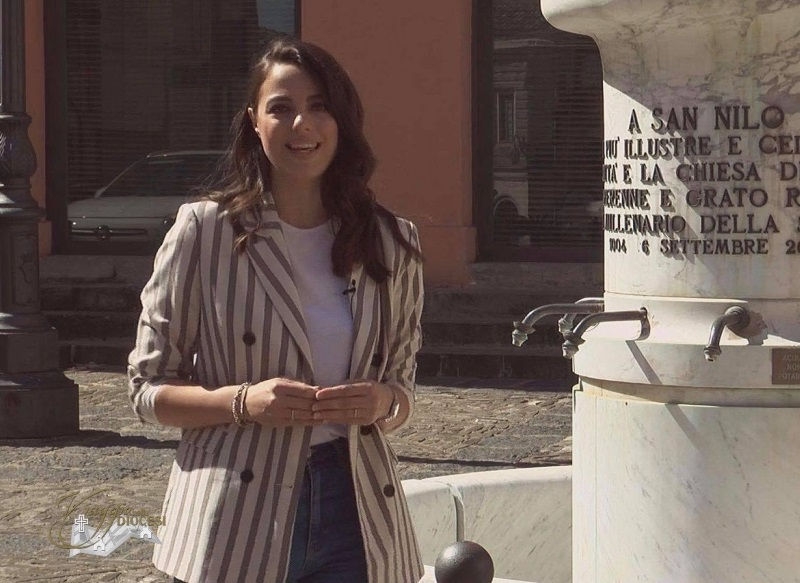 FRANCESCA RUSSO, CONDUTTRICE E MODELLA CURVY DI PROFESSIONE