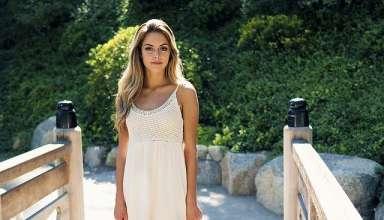 Gli abiti off white sui quali investire ai saldi dell'estate 2020