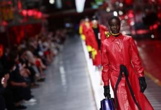 l brand Ferrari sbarca nel mondo della moda